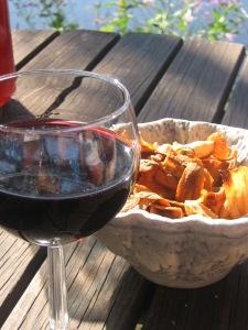 Ibland kan det vara gott med lite tilltugg till vinet