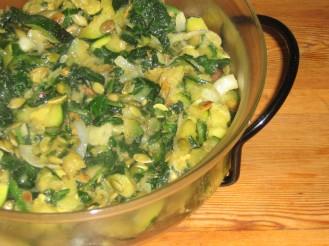 Smörstekt Zucchini, Färsk Lök och Bladspenat