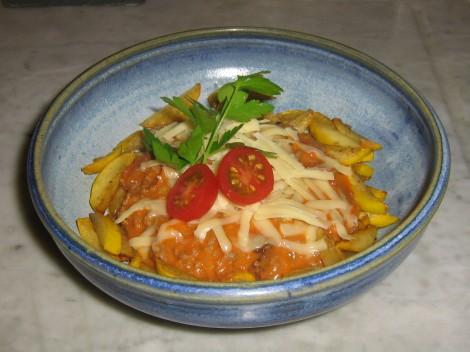 Köttfärssås LCHF med Smörstekt gul Zucchini och riven Emmentaler från Valio