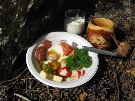 Delikatesstallrik på Picknick
