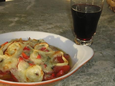 Salami och Lök-Pizza LCHF med ett glas Ecologica