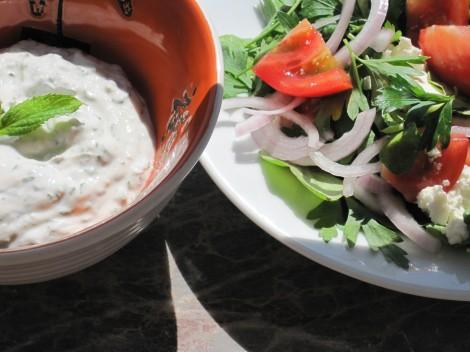 Myntayoghurt och Turkisk Bondsallad