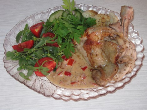 Kycklingkotlett med Paprikagräddsås och smörstekt Blomkål