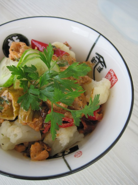 Fiskgryta på Lax med Blomkål och gräddiga grönsaker