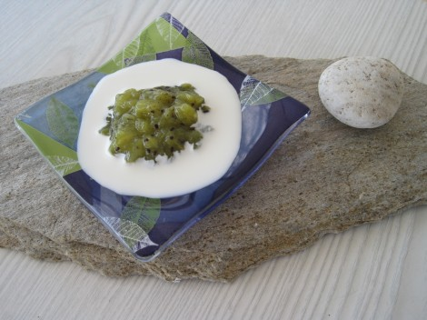 Kiwikompott med Vaniljgrädde till dessert