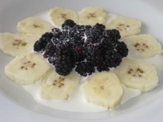Alanya Muz/ Bananer med Björnbär och Grädde