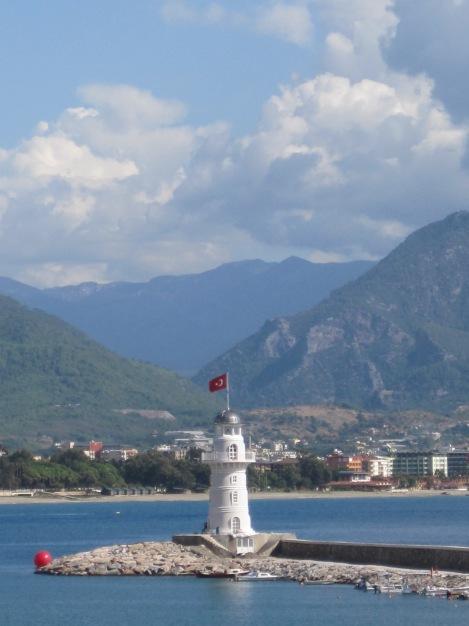 Nya fyren i Alanyas Hamn sedd från Kaptans Güverte