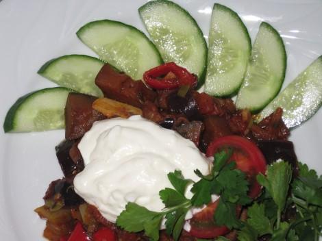 Köttgryta med Paprika och Aubergine med inspiration från Filika i Alanya
