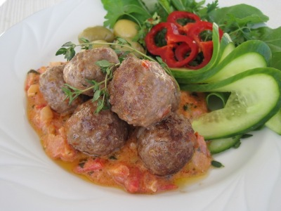 Medelhavsköttbullar med gräddig Tomatsås