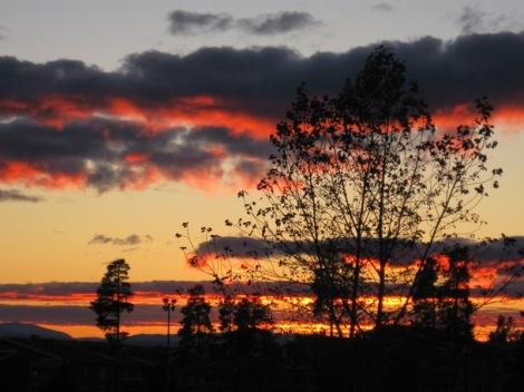 Solnedgång över Oviksfjällen, utsikt från balkongen...