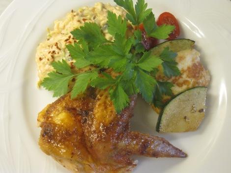 Kycklingvingar med coleslaw