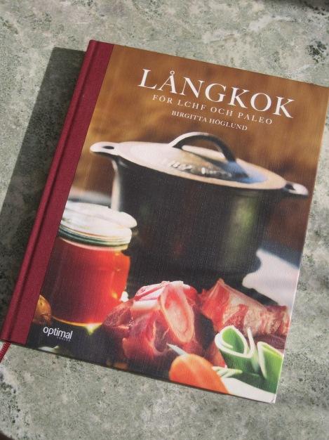 Här hittar du min senaste kokbok för bara 182 kronor, en perfekt julklapp :)