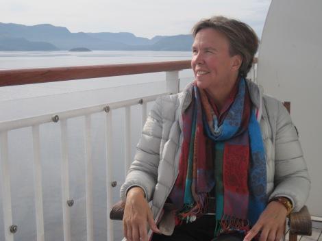 Jag njuter av utsikten på Hurtigrutten :)