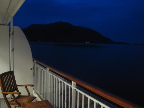 Kvällsutsikt från vår balkong på MS Finnmarken, Hurtigrutten