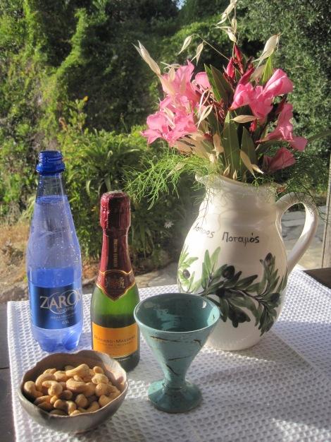 Drink med tilltugg på Kreta