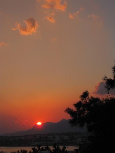 Solnedgång över Makrigialos