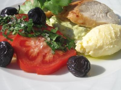 Tomatsallad med oliver