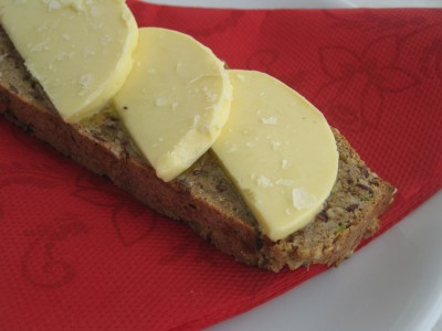 LCHF-bröd med zucchini