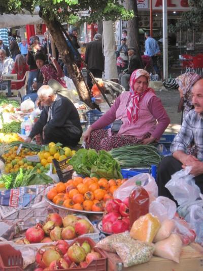 Grönsaksförsäljare på Fredagsmarknaden