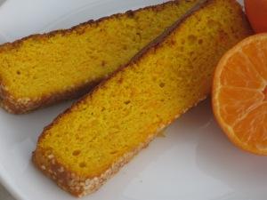 Glutenfri saffranskaka med morot och mandarin