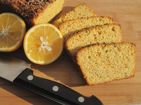 Glutenfritt bröd med morot och citron