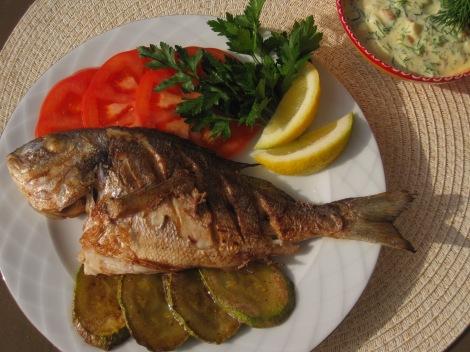 Fisk med äggsås