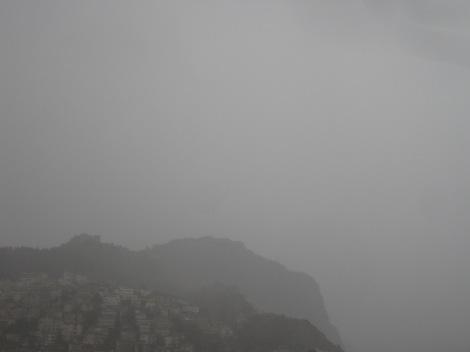 Regnväder över Borgen i Alanya