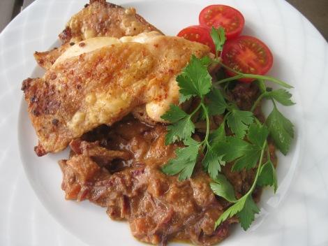 Chilikyckling med indisk rödkålswok