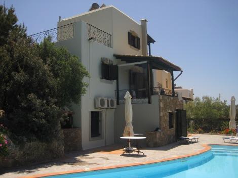 Villa Lyronda, Makrigialos