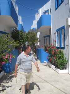 Creta Sun Apartments med ägaren Manolis Bagordakis