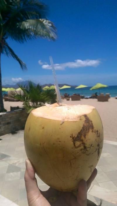 Pinfärsk kokosmjölk på St Kitts...