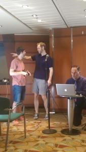 Andreas Eenfeldt, Simon Victor och Jimmy Moore förbereder dagens videoinspelningar...