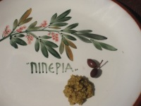 Tapenade och oliver på Piperia...