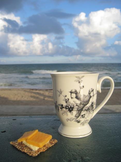 Kaffe med frökex från Huså Bröd