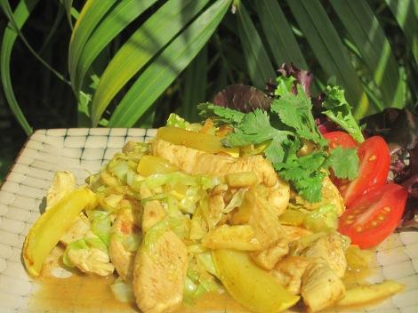 Kycklingwok med kokos, ingefära och curry