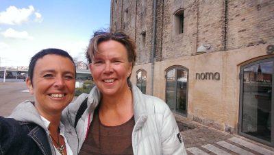 Therese Renåker och jag levererar smör från Löts Gårdsmejeri till Restaurang Noma i Köpenhamn...