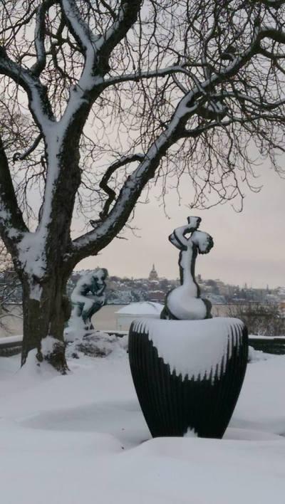 Statyer i snö, Waldemarsudde