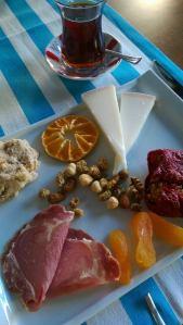 Lokalproducerade, ekologiska läckerheter på Mezza Gurme...